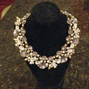 Jewelry - Dazzeling collar style necklace